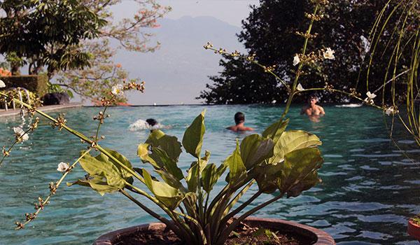 kolam renang agrowisata hotel salatiga