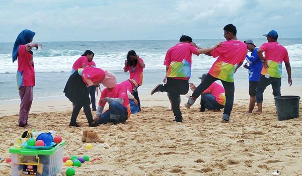 game asyik di pantai untuk outbond
