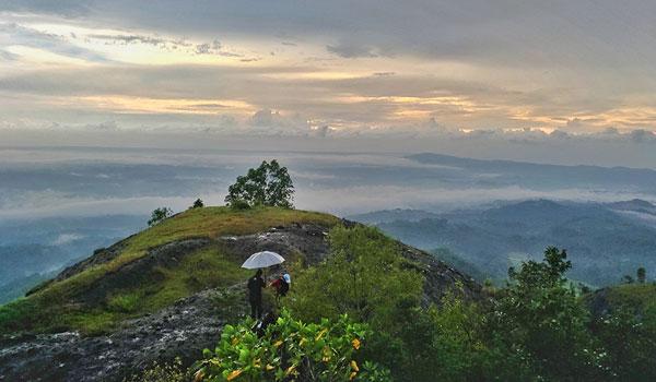 Puncak Gunung Watu Bantal, Gunung Api Purba